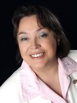 Luz Adams