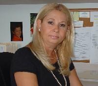 Laura  Pearlman